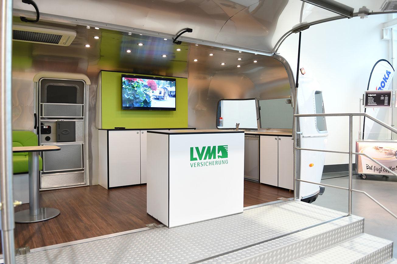Promotionanhänger auf Basis eines Airstream Caravan.
