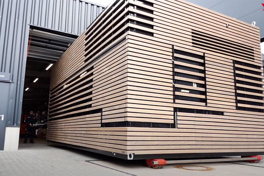 Video über Produktion und Installation eines Imbisscontainers.