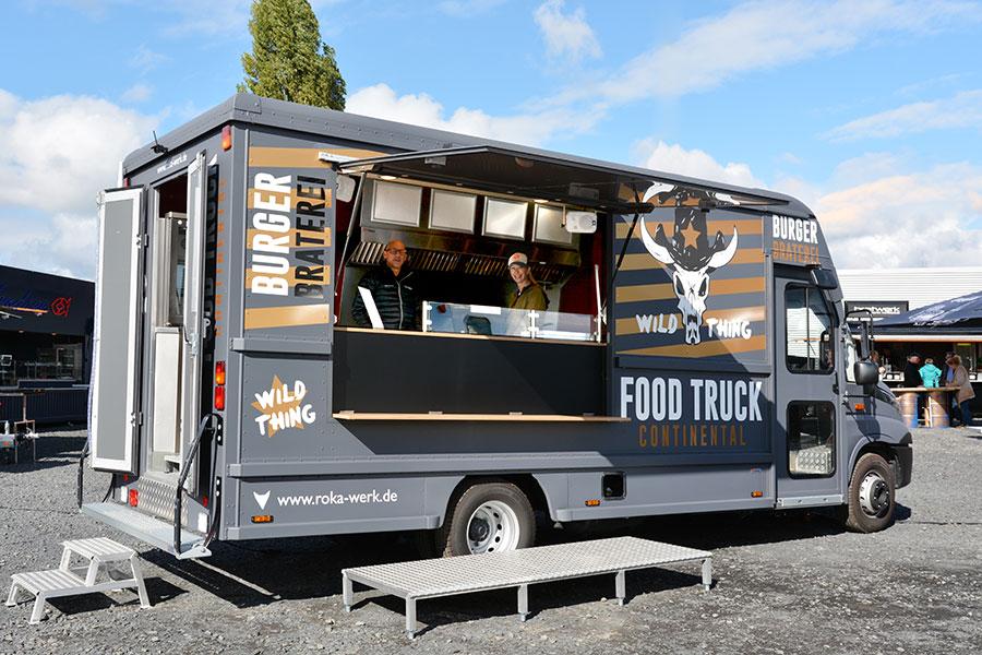 ROKA Food Truck für Burger Foodkonzept.
