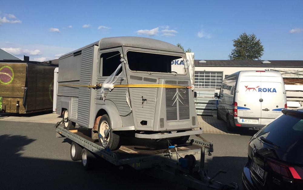 Citroen HY wird für Restaurierung und Food Truck Ausbau angeliefert.