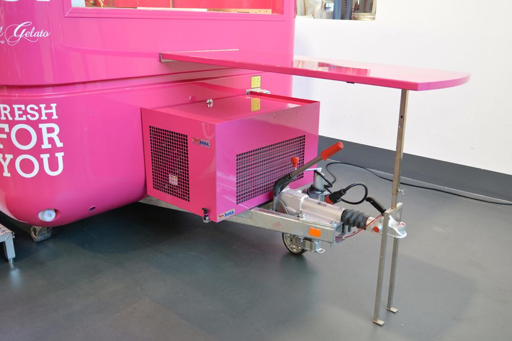 Eiswagen mit Kühlung während der Fahrt.