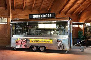 Food Truck Anhänger für Catering und Imbissbetriebe.