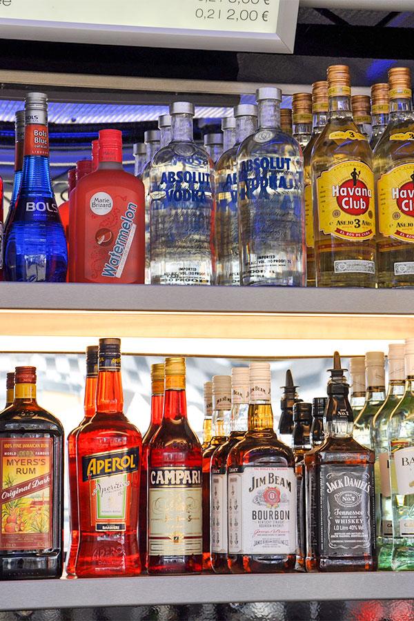 Cocktailwagen für Getränkeverkauf.