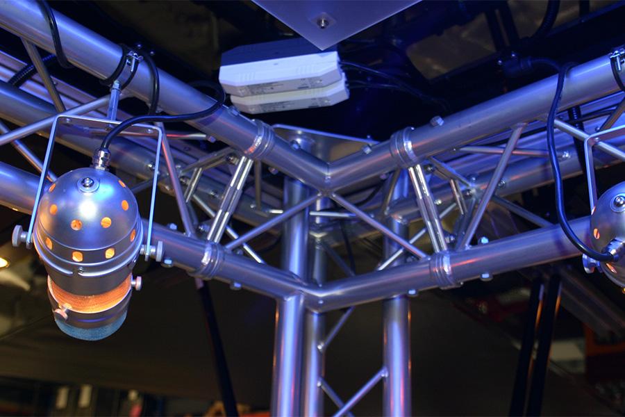 Cocktailwagen mit Licht- und Soundsystem.