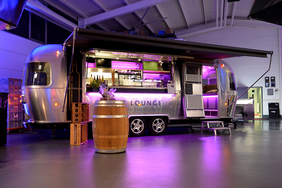 Airstream Food Trailer für Catering und Wein-Tastings.