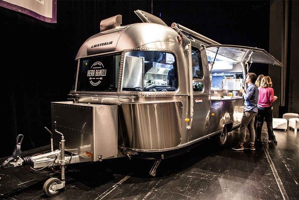 Verkaufswagen Airstream Diner für Catering und Imbiss.