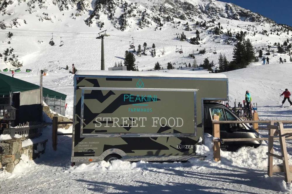 ROKA Food Truck für Catering und Außengastronomie.