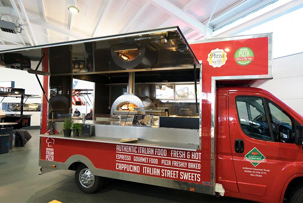 Food Truck für den Pizzaverkauf.