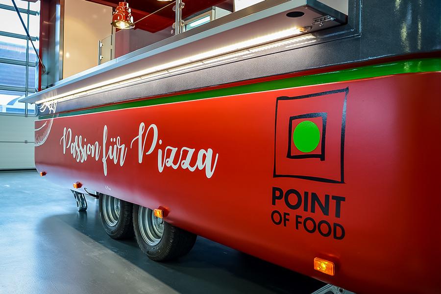 Pizzawagen mit LED-Beleuchtung.