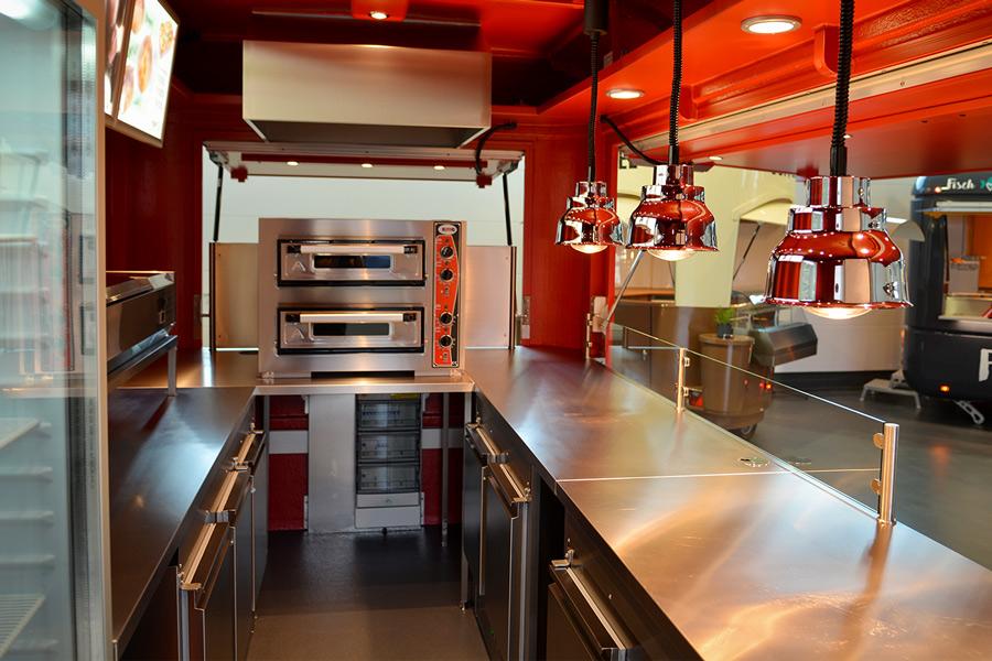 Pizzawagen mit leistungsstarker Ausstattung.