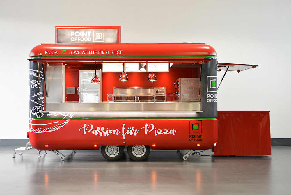 Verkaufswagen als Pizzamobil mit Pizzaofen.