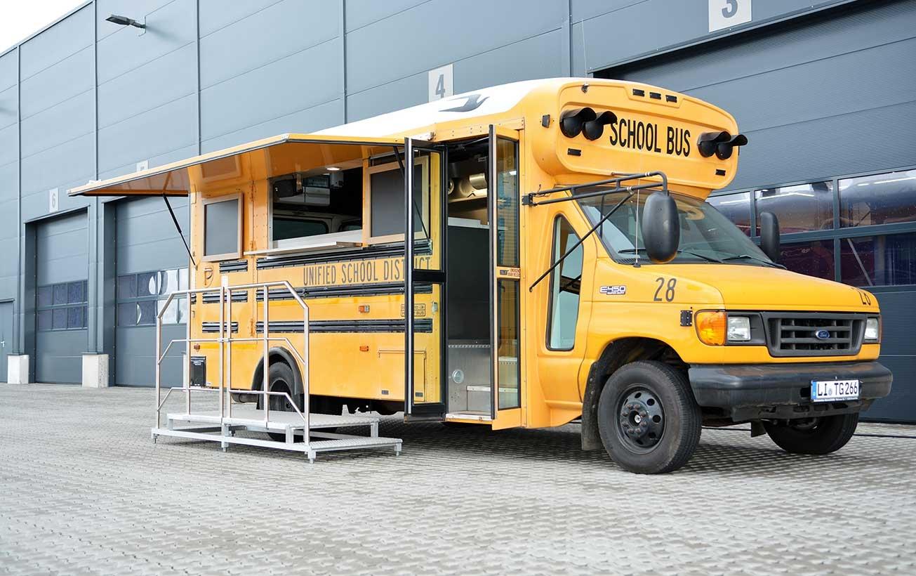 Food Truck Restaurierung mit Gastronomieausbau.