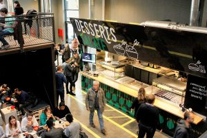 Seecontainer als Catering Modul in Food Hall