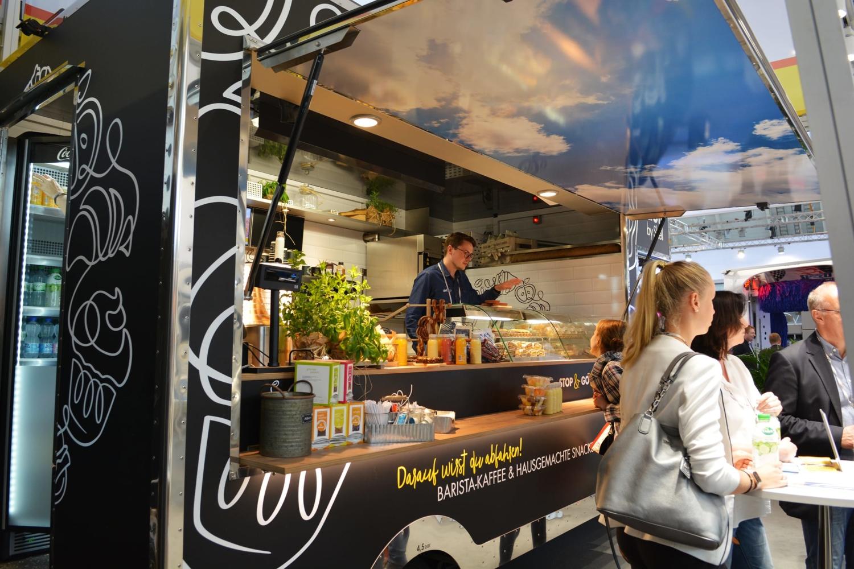 Food Truck für Kaffee und Snacks.